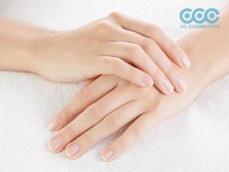 Làm thế nào để kéo dài tấm móng tay ở nhà