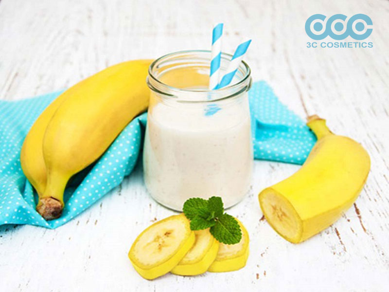 trị nám da đơn giản bằng chuối và sữa chua không đường