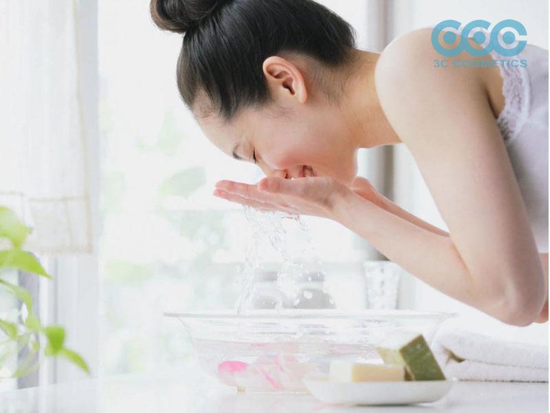 Công thức làm sữa rửa mặt thiên nhiên