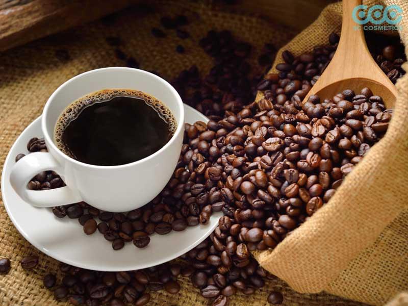 caffein là loại thực phẩm không tốt cho da nổi mụn