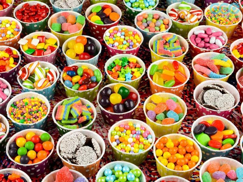 thực phẩm nhiều đường cũng không tốt cho da nổi mụn