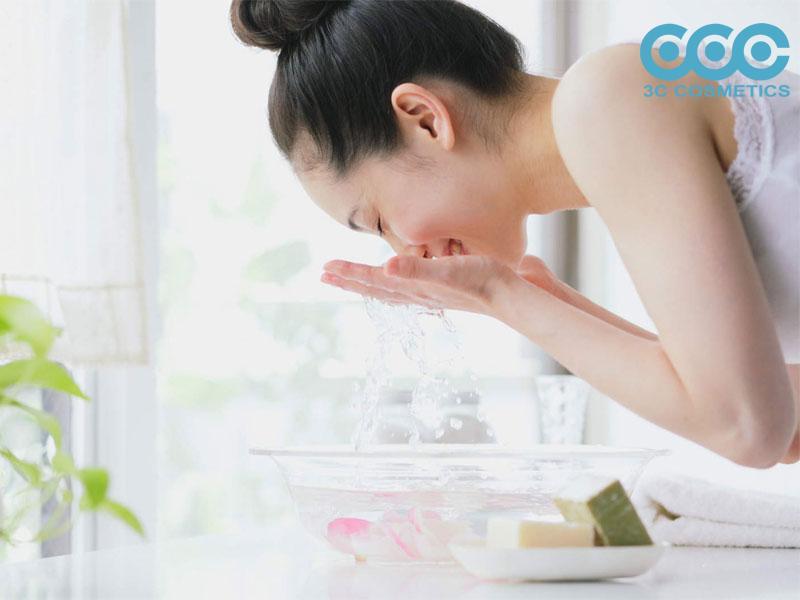 Sữa rửa mặt không tạo bọt làm sạch da dịu nhẹ